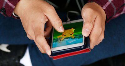 Dank Pokémon Go fanden drei Kinder einen im Sterben liegenden Beagle