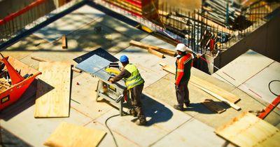 Diese Bauarbeiter in Kanada brauchen jeden Tag extremen Mut