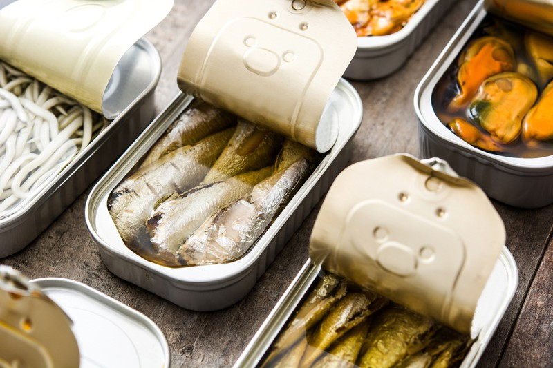 Für die Stubentiger ist auch Thunfisch geeignet zum Backen.